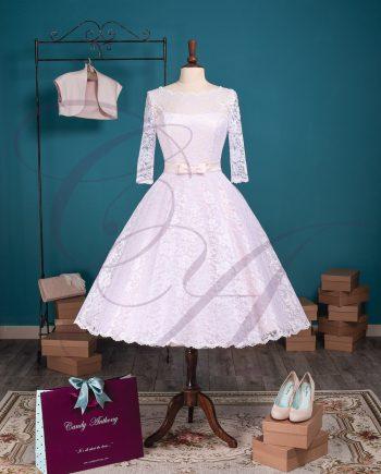 An English Elegance Blush/White